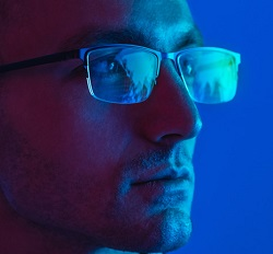 CET Knowledge from Essilor on Blue Light