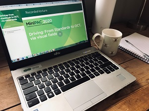 Online Learning with Specsavers